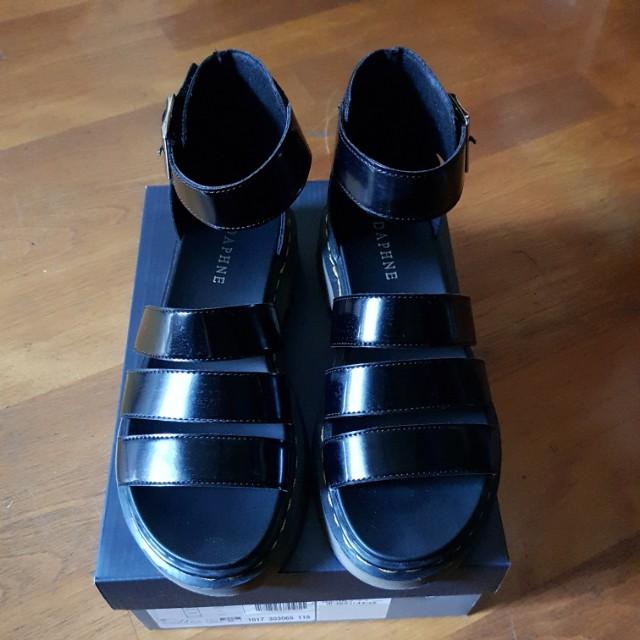 達芙妮羅馬涼鞋