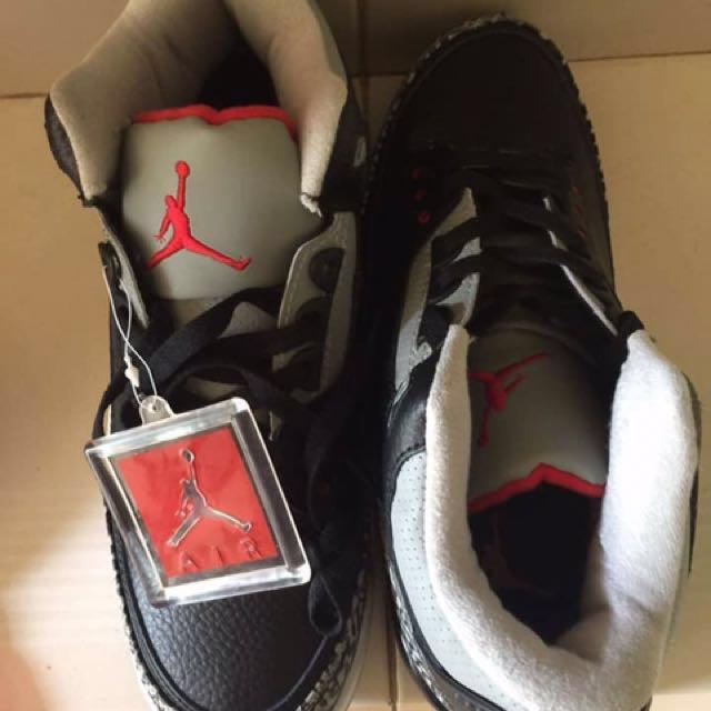 Air Jordan Retro 3 (9.5)