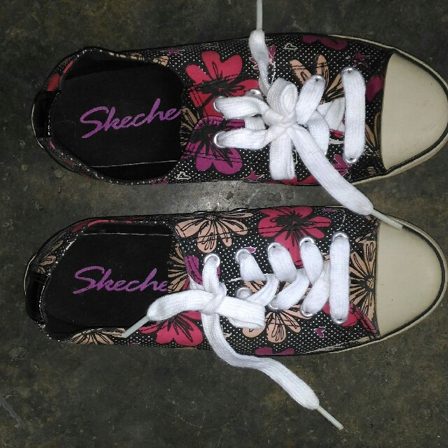 Authentic Skechers shoes