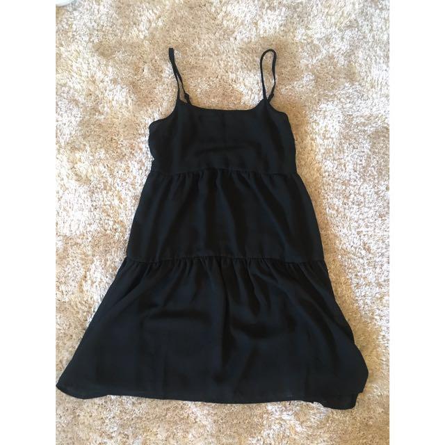 Black Ruffle Dress XS