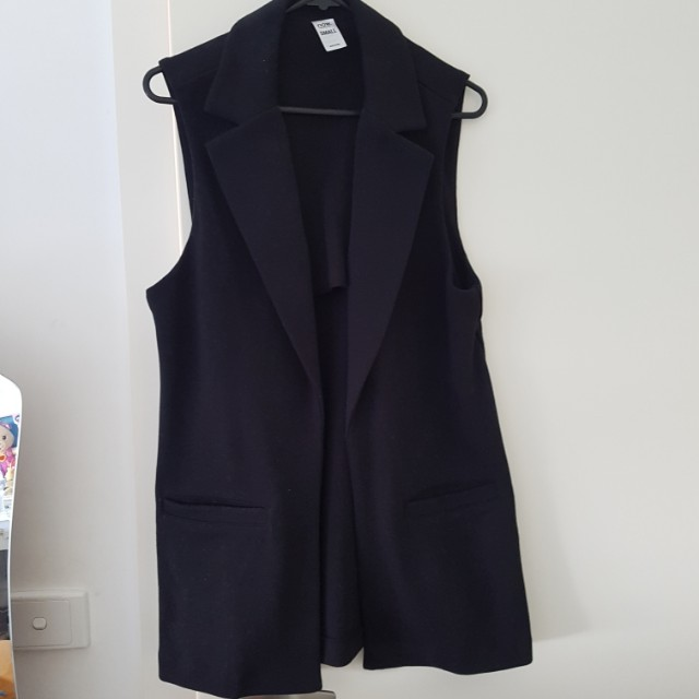 Black vest/sleeveless coat