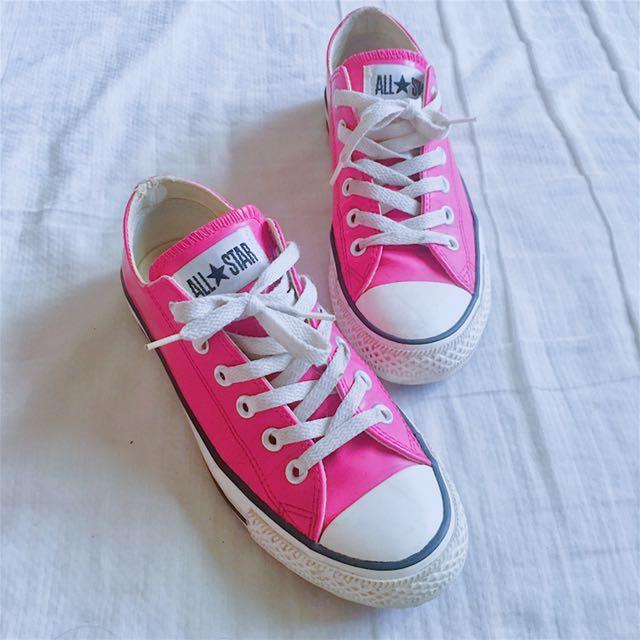 Converse桃粉皮革鞋