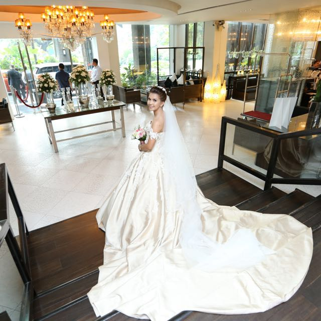 Dream Gown for rent