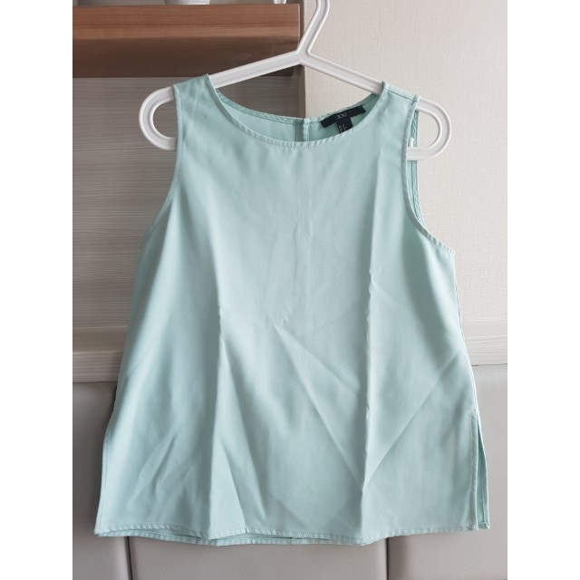 FOREVER 21 minty top size S