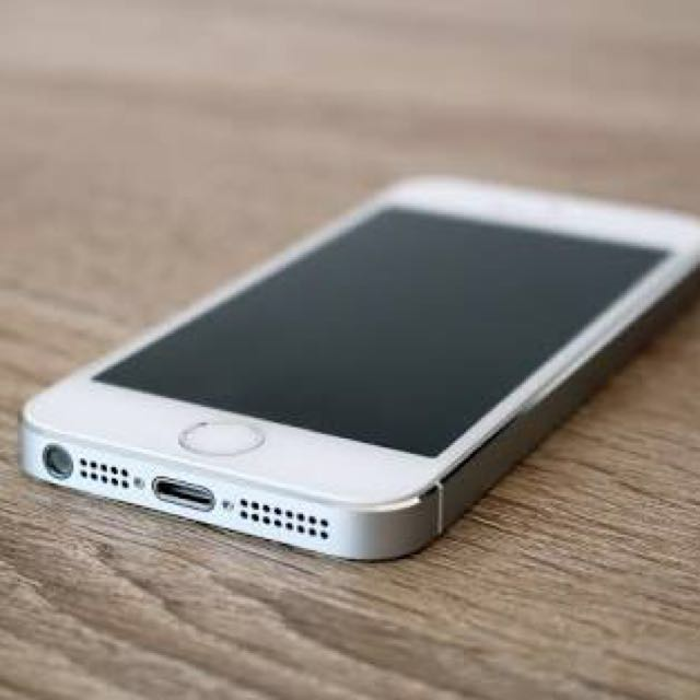 iPhone 5s 16GB Silver Openline