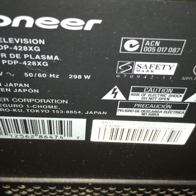 Made in Japan Pioneer 42 Inches Plasma TV for Moving Out Sale