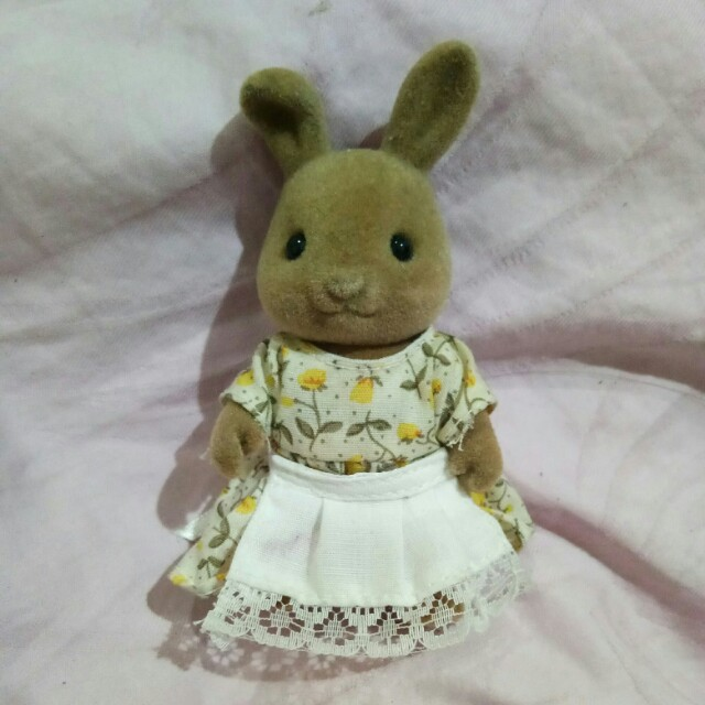 Mommy brown rabbit sylvanian