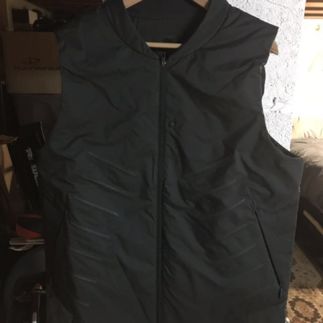 NEVER WORN Men's Lululemon Vest, XL