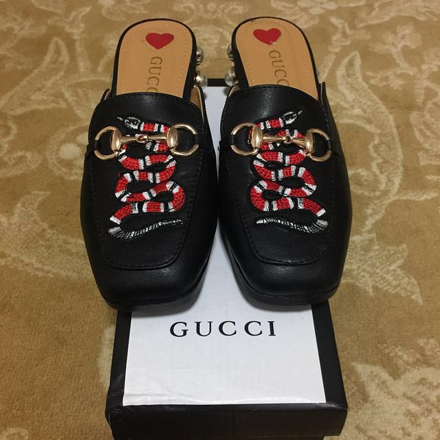 adf877886e25b RARE Gucci Snake Patch Studded Pearl Mules