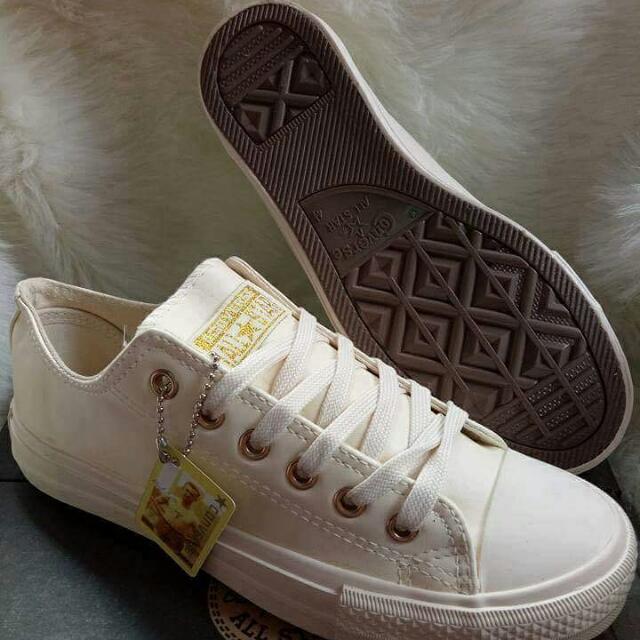 SALE! Converse Leather