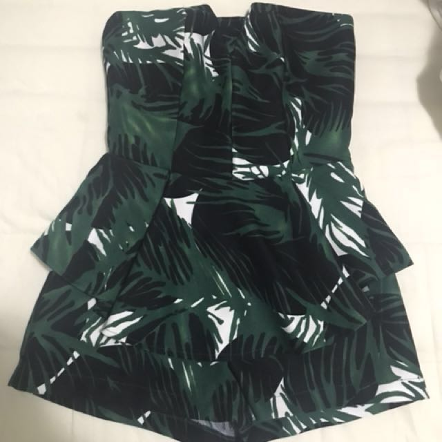 Strapless Playsuit in Green only wore once Size XS to S