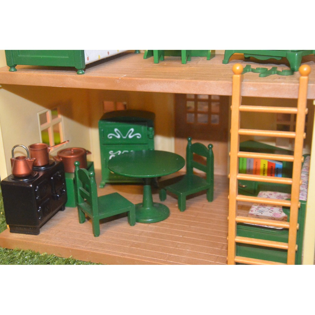 SYLVANIAN FAMILIES RARE UK RELEASED GREEN FURNITURE | COMPLETE SMALL HOUSE  FURNISHING (BEDROOM SET, DINING SET WITH ACCESSORIES AND KITCHEN SET WITH  RARE ...