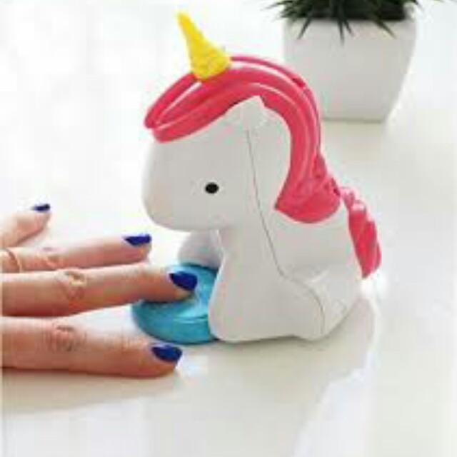 Unicorn nail polish blower machine. Batteries operated. Great gifts ...