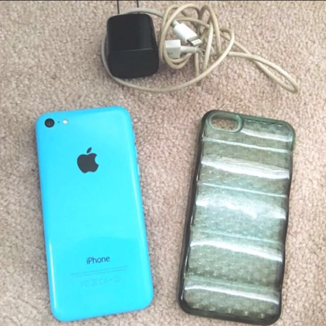 Unlocked iPhone 5c with charger and Case