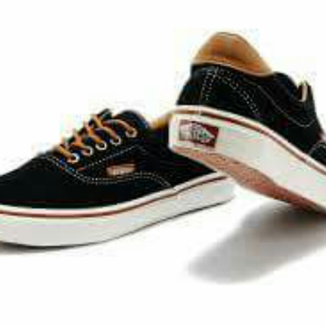 7673337fccc185 Vans New Era Vans Autentic Vans Old Skoll and Vans Skate Hi
