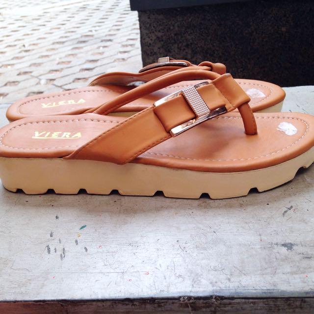 VIERA Brown Women Sandals