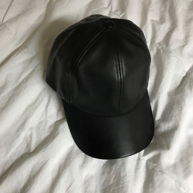 Wilfred free black decker leather cap