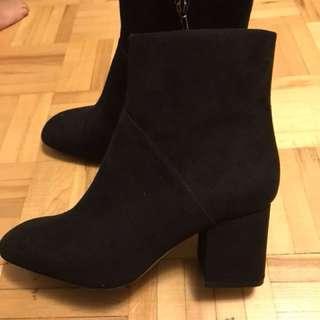 Zara Black booties size 6