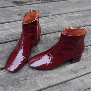 方頭粗根漆皮靴