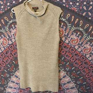 Aritzia Durandal like sweater