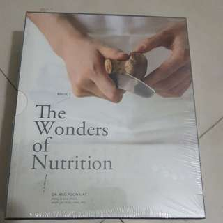 2 books by Dr Ang Poon Liat - <<The Wonders of Nutrition>> & <<Roadmaps to Recovery>>
