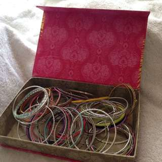 BOX of GIRLS BANGLES