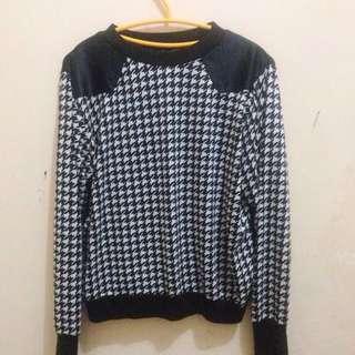 Sweater Houndstooth  Brand UM