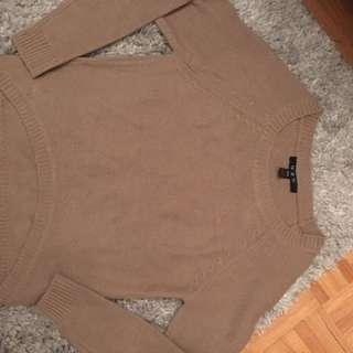 Beige round bottom sweater