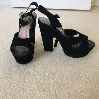 Kimchi Blue brand platform heels size 38