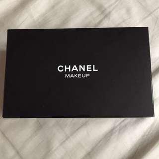 贈品-Chanel 紅色亮皮化妝包