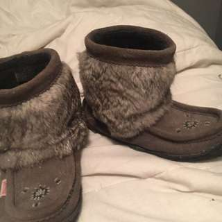Women's Size 7 Moccasin Half Boot