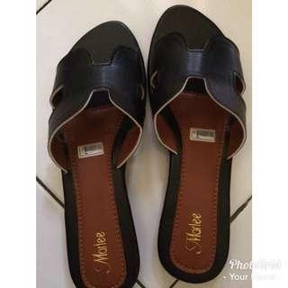 sandal size 41 kecil