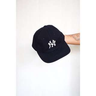 NY Yankees Dark Blue Cap (Women's)