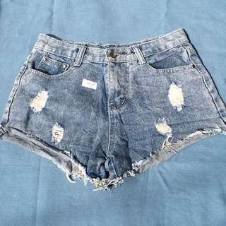 Highwaist tattered shorts