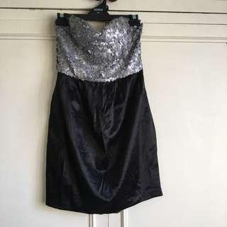 Black and Silver Sequin Dress, comes with silk bow: size 10