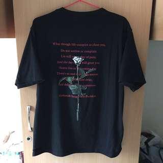 背後玫瑰黑色印花短袖T