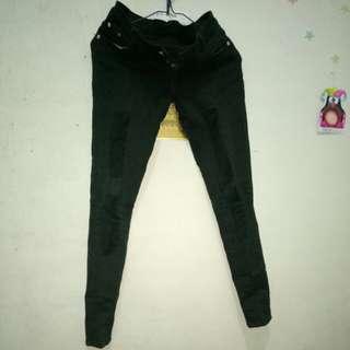 Celana jeans hitam tambelan