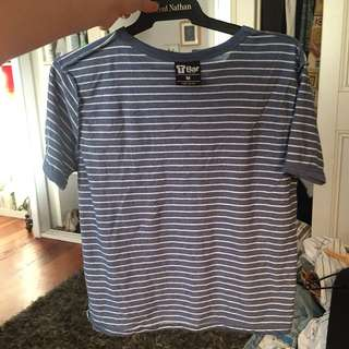 Striped tshirt cropped size 10