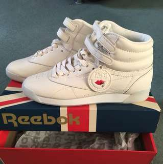 Authentic Pre loved Reebok shoes