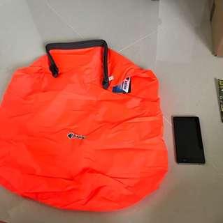 Water proof bag est 25L 62x54cm
