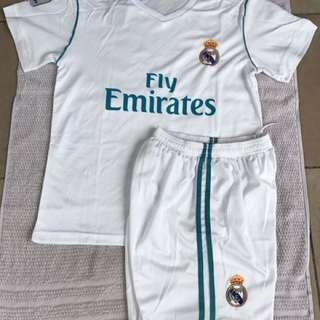 2018 Adult White Real Madrid Jersey #7 Ronaldo Adult Set Jersey & Short Football