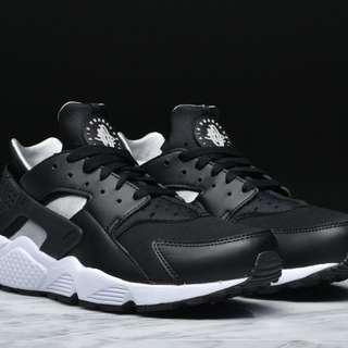 Nike Air Huarache Sneakers (100%originals)