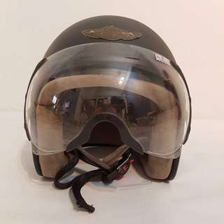 X-dot motorcycle helmet with adjustable wiser