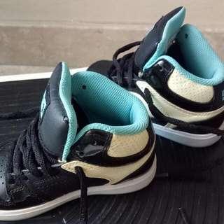 DC Toddler Shoes (glows In dark)