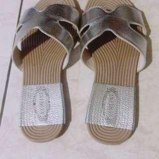 🚚 Fashion 平板拖鞋