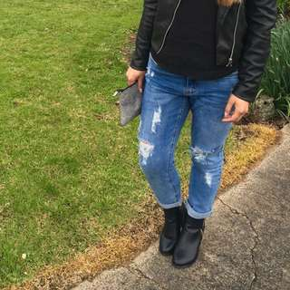 Supre ripped jeans size 10