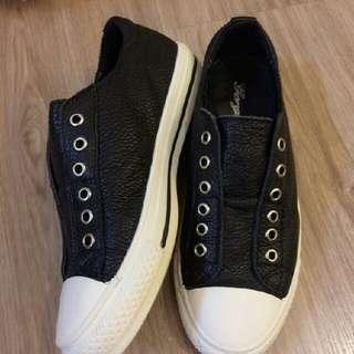 黑白配 真皮休閒鞋