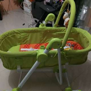 2in1 baby basket / rocking chair