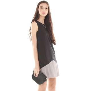 Anticlockwise Colourblock Pleated Pocket Trapeze Dress In Black