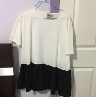Black/White Top